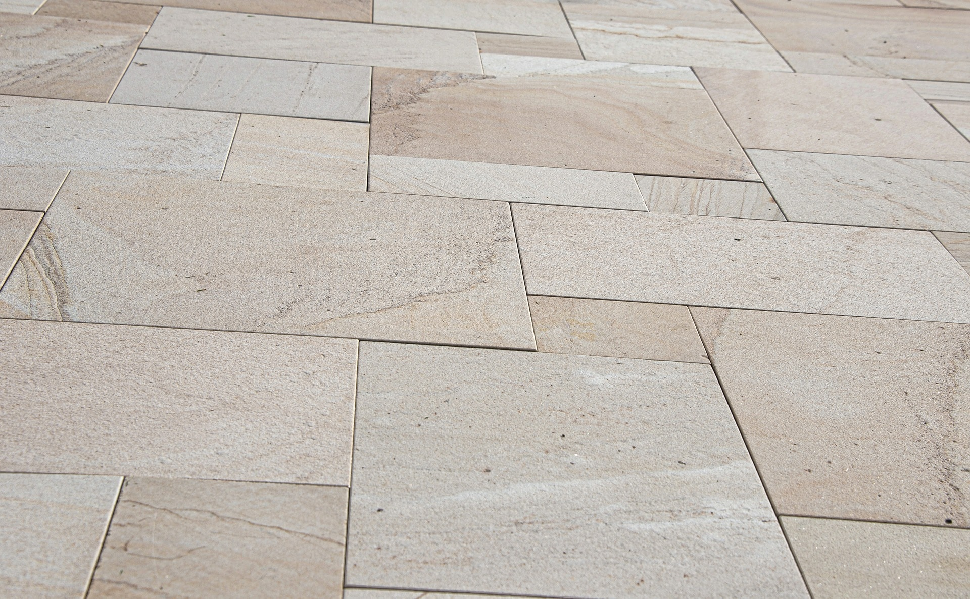 - Pros & Cons Of Peel And Stick Tiles. Smart? Or Not So Much?